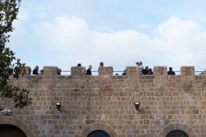 Le mura merlate del castello di Mignano Montelungo | Foto di Matteo Ricci