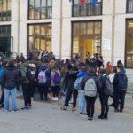 Cassino, scuole al freddo. E i ragazzi scendono in piazza