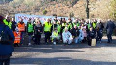 Sant'Elia Fiumerapido (Fr), le immagini del sit-in per la bonifica dell'impianto di stoccaggio dei rifiuti