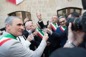 Il brindisi inaugurale all'apertura del castello di Mignano Montelungo | Foto di Matteo Ricci