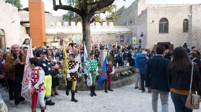 La sfilalata durante l'inaugurazione del castello di Mignano Montelungo | Foto di Matteo Ricci